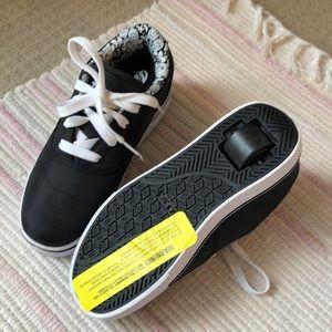 New Heelys, youth size 5